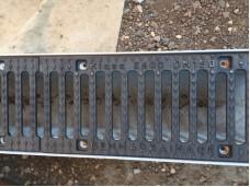 Лоток бетонный водоотводный DN100 1000х175х180 мм с чугунной щелевой решеткой
