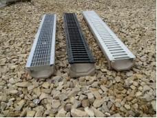 Лоток водоотводный DN100 пластиковый 1000х160х155 усиленный со  стальной  оцинкованной  щелевой решеткой