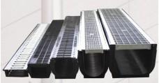 Лоток водоотводный DN100 пластиковый  усиленный 1000х145х80 с чугунной щелевой решеткой